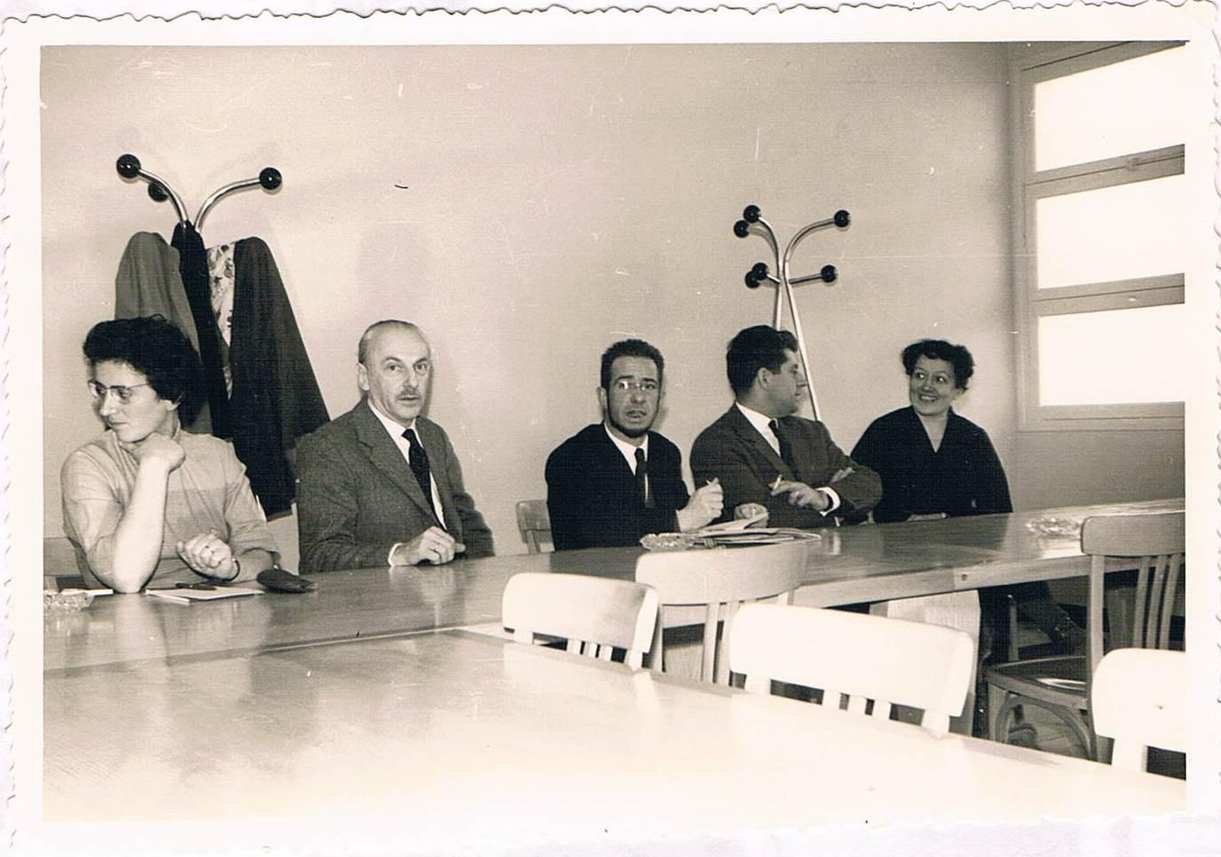 1961ko abendua. GHSP taldearen sorrerako bilera. Ezkerretik hasita: Madeleine, Max Cosyns, Michel Cabidoche, X, André Cosyns. Iturria: Madeleine Cabidocheren artxiboa